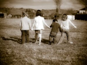 4 children playing